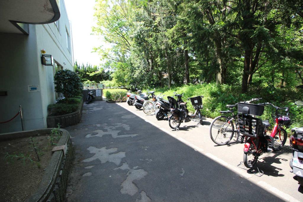 駒場体育館 バイク置き場