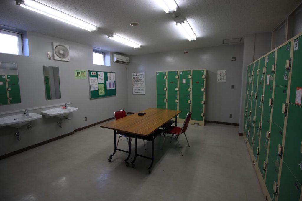 多摩川緑地 更衣室