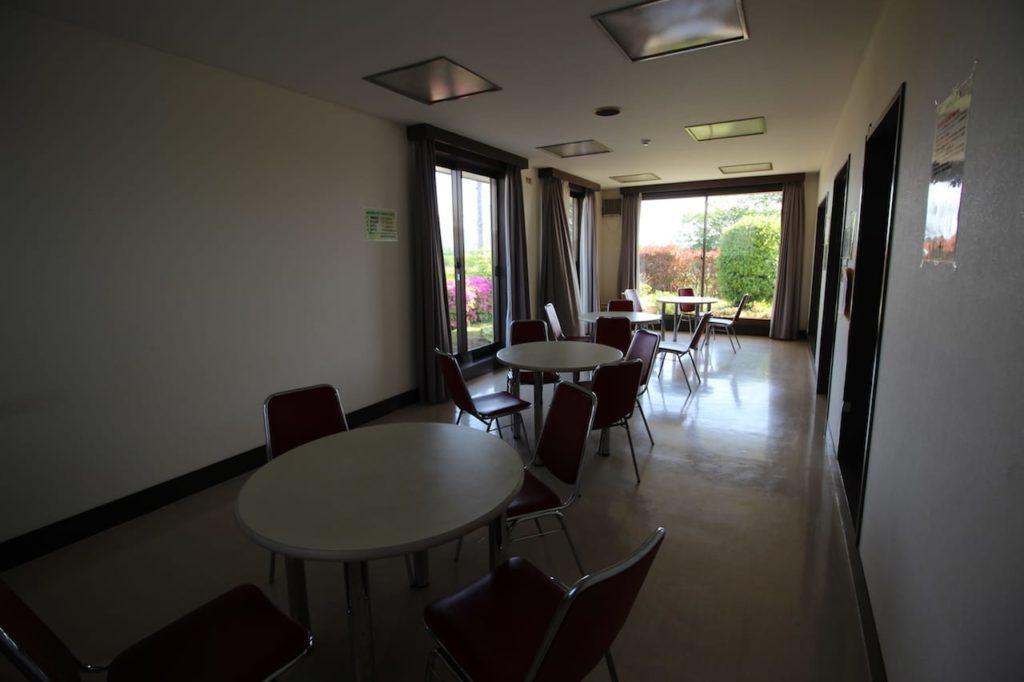 多摩川緑地 休憩室