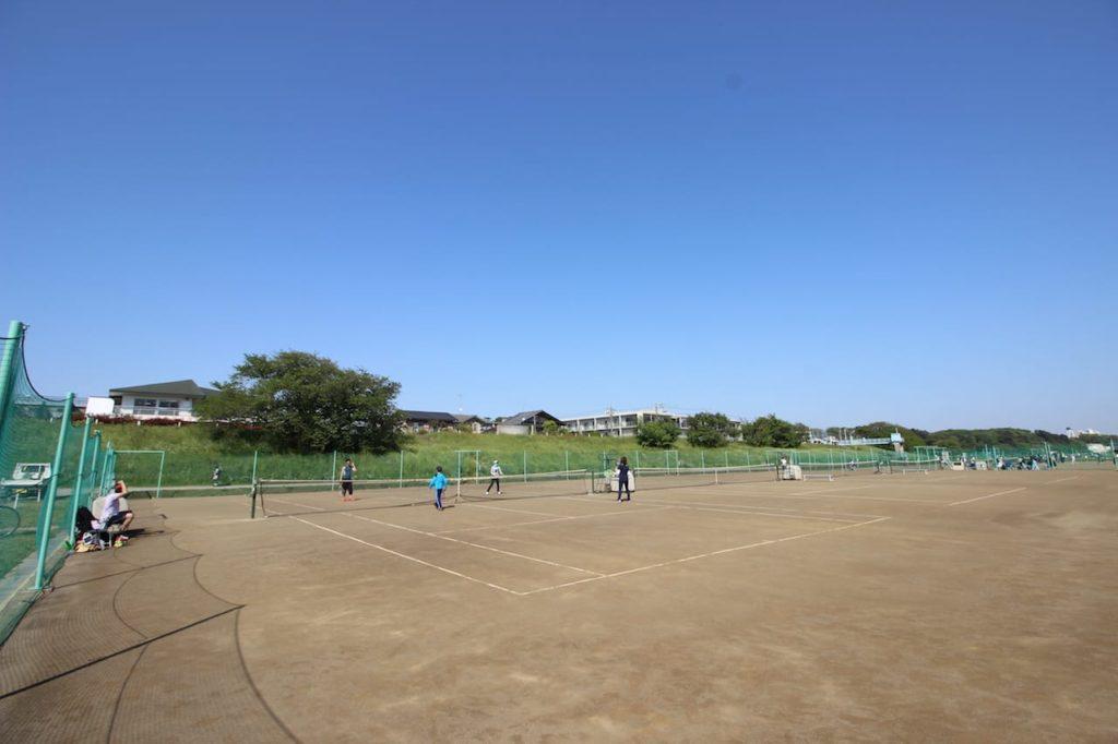 多摩川緑地 テニスコート